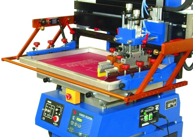 What is silkscreen printing? Benefits and advantages of screen printing.